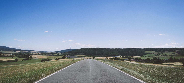 Straße bis zum Horizont